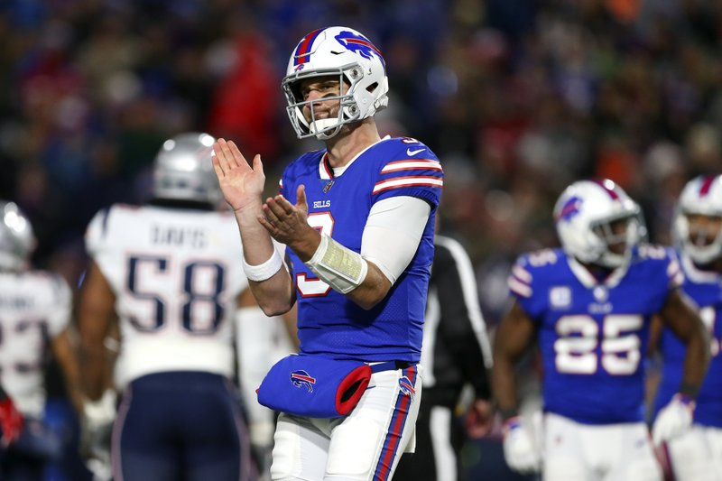 Buffalo Bills quarterback Derek Anderson reacts after a play against the New England Patriots during the first half of an NFL football game, Monday, Oct. 29, 2018, in Orchard Park, N.Y. (AP Photo/Jeffrey T. Barnes)