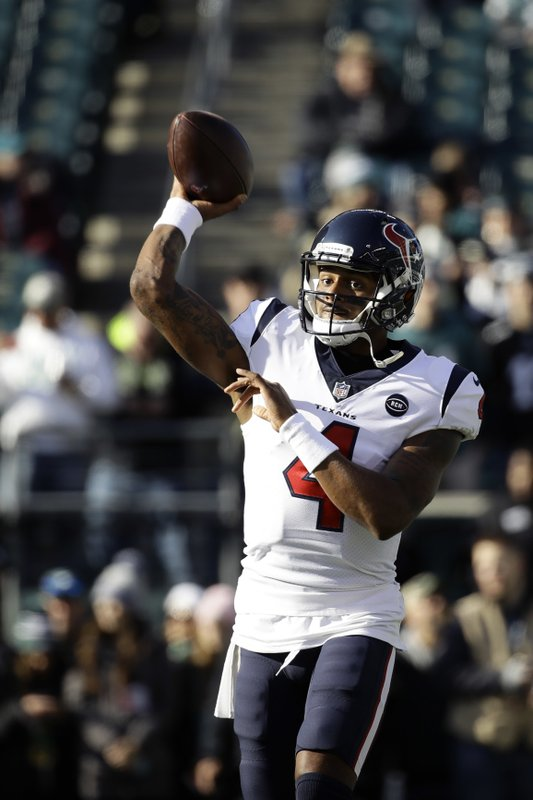 Houston Texans' Deshaun Watson warms up before an NFL football game against the Philadelphia Eagles, Sunday, Dec. (AP Photo/Matt Rourke)