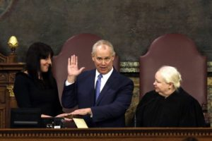 Lawmakers sworn in at start of 2-year General Assembly term