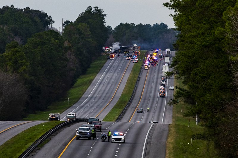 Interstate 75 is shut down both directions after a wreck with multiple fatalities on Thursday, Jan. 3, 2019. (Lauren Bacho/The Gainesville Sun via AP)