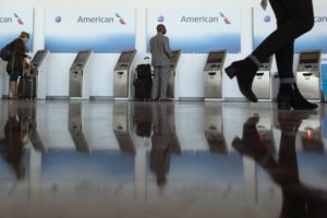American Airlines shares tumble on more cautious 4Q outlook
