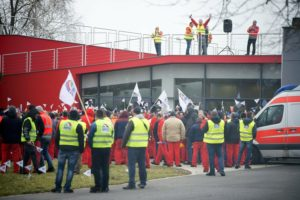 Union holds two-hour warning strike at Audi plant in Hungary