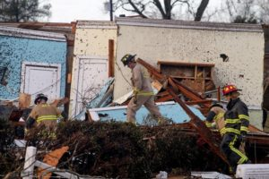 Alabama mayor: Possible tornado hits downtown Wetumpka