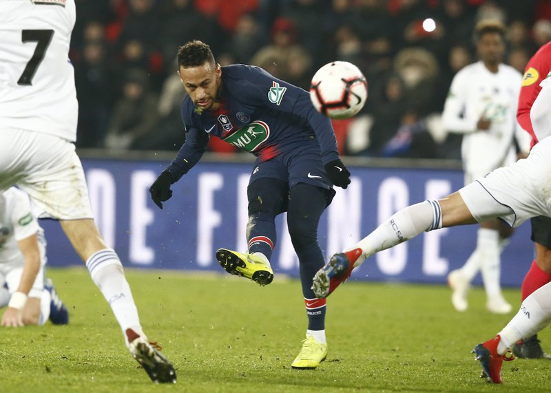PSG's Neymar tries to score during the French Cup soccer match between Paris Saint Germain and Strasbourg at the Parc des Princes stadium in Paris, Wednesday, Jan. (AP Photo/Michel Euler)