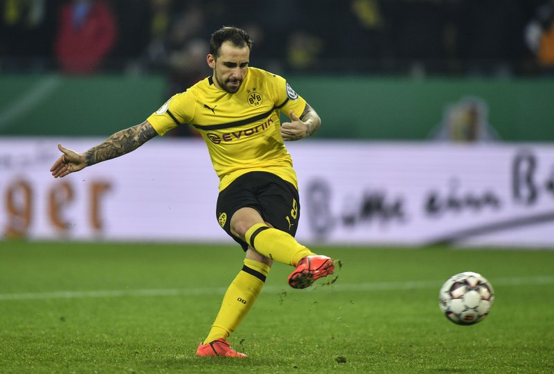 Dortmund's Paco Alcacer misses to score the first penalty during the shootout at the German soccer cup, DFB Pokal, match between Borussia Dortmund and Werder Bremen in Dortmund, Germany, Tuesday, Feb. (AP Photo/Martin Meissner)