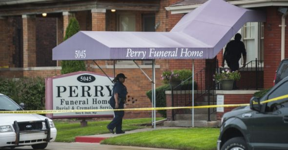 Michigan seeks to revoke license of Detroit funeral home