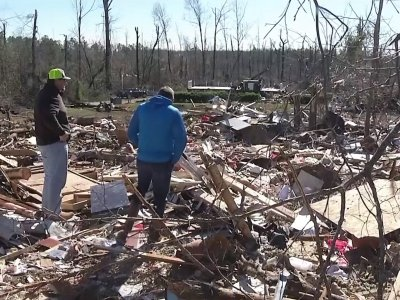 The uncle of AJ Hernandez describes chilling final moments for the 6-year-old when catastrophic tornado winds ripped the boy from his father's arms. (March 5)