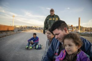 Border agents encounter record numbers of migrant families