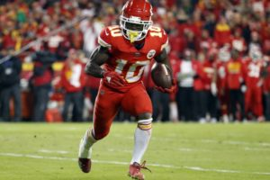 Chiefs' Hill linked to domestic battery case in suburban KC