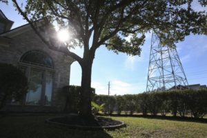 2 bills could help Texas landowners near transmission towers