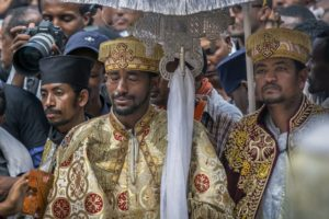 Ethiopians hold mass funeral ceremony for crash victims