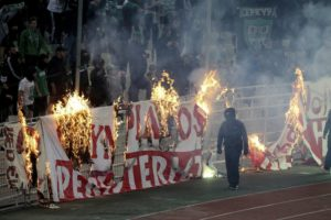 Panathinaikos-Olympiakos game abandoned after clashes