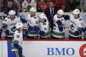 Horvat scores in overtime as Canucks beat Blackhawks 3-2