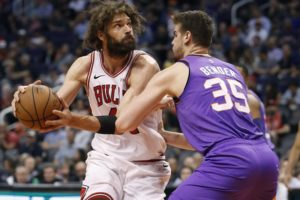 Lopez helps Bulls end losing streak, bet Bulls 116-101