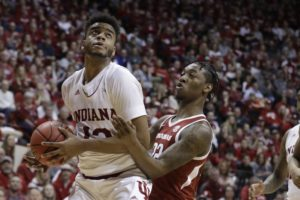 Green lifts Indiana past Arkansas 63-60 in NIT