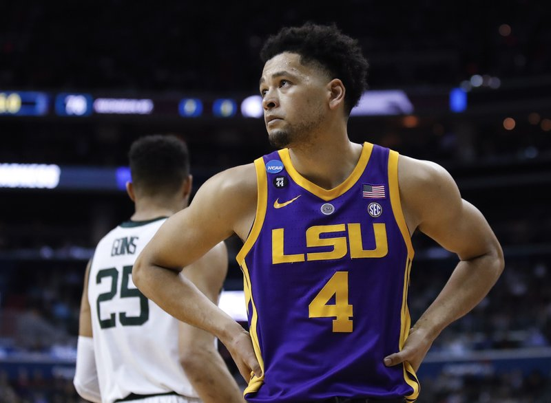 LSU guard Skylar Mays (4) looks up at the score near the end of the team's NCAA men's college basketball tournament East Regional semifinal against Michigan State in Washington, Friday, March 29, 2019. (AP Photo/Alex Brandon)