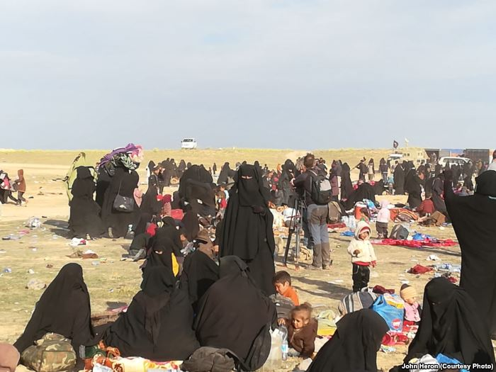 In the final weeks IS held a camp near Baghuz, Syria thousands of people evac