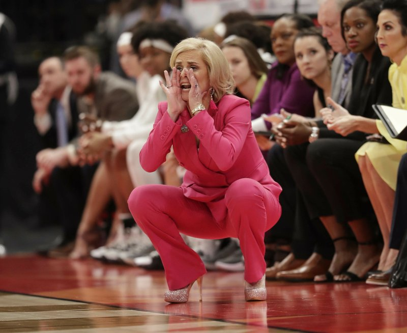 Baylor head coach Kim Mulkey yells at her team during the second half of a women's Final Four NCAA college basketball semifinal tournament game against Oregon, Friday, April 5, 2019, in Tampa, Fla. (AP Photo/John Raoux)