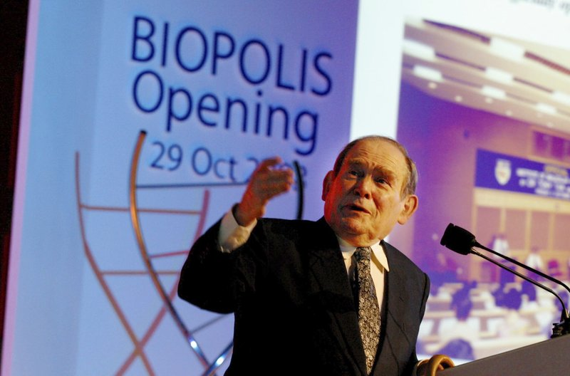 FILE - In this Oct. 29, 2003, file photo, Nobel laureate Dr. Sydney Brenner of the Salk Institute for Biological Studies in San Diego, Calif. (AP Photo/Wong Maye-e, File)