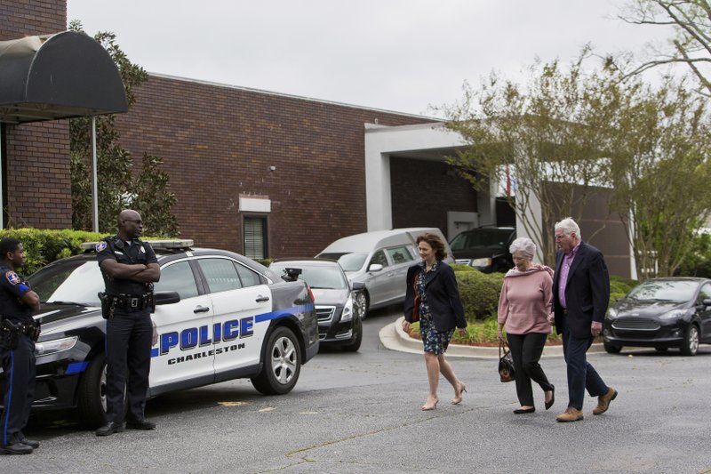 Friends and loved ones pay their respects during a visitation for former U.S. senator and South Carolina Gov. (Andrew J. Whitaker/The Post And Courier via AP)