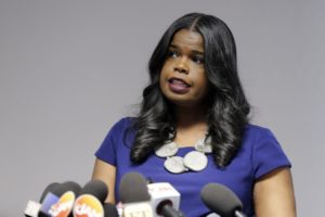2 top deputies resign from Chicago prosecutor's office