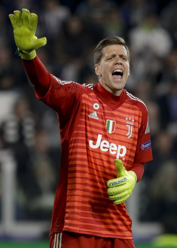 Juventus goalkeeper Wojciech Szczesny shouts during the Champions League, quarterfinal, second leg soccer match between Juventus and Ajax, at the Allianz stadium in Turin, Italy, Tuesday, April 16, 2019. (AP Photo/Luca Bruno)