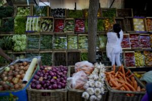 Argentina to freeze prices of goods in bid to tame inflation