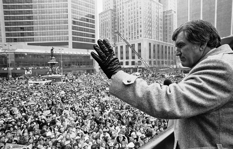 FILE - In this Jan. 25, 1982, file photo, Cincinnati Bengals head coach Forrest Gregg waves to the crowd in Cincinnati. (AP Photo/Ed Reinke, File)