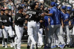 Anderson spikes bat, gets drilled; Royals top Chisox in 10