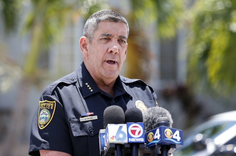 Surfside Chief of Police Julio Yero speaks to the media outside the home of Sol Pais, Wednesday, April 17, 2019, in Surfside, Fla. (Al Diaz/Miami Herald via AP)