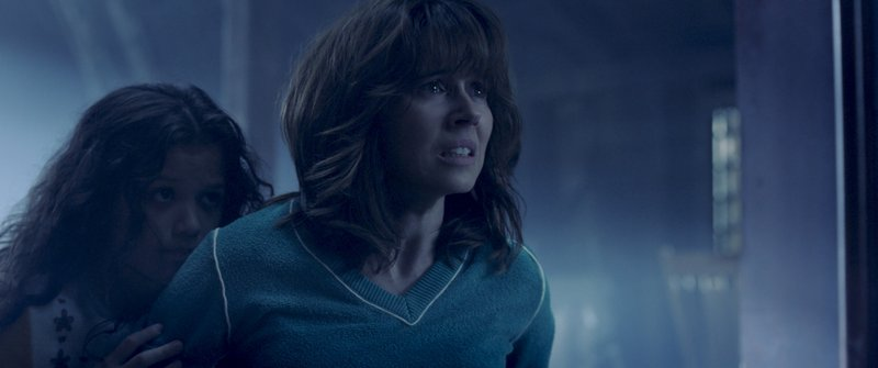 This image released by Warner Bros. Pictures shows Jaynee-Lynne Kinchen, left, and Linda Cardellini in a scene from