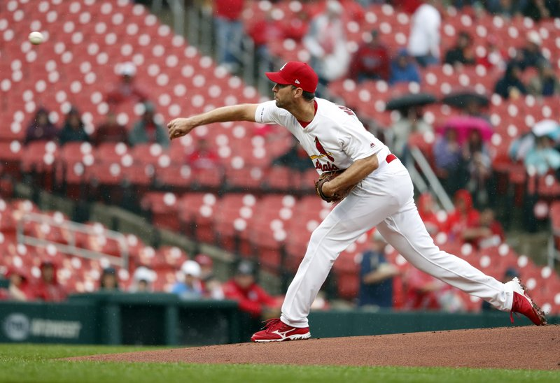 St. Louis Cardinals starting pitcher Adam Wainwright throws during the first inning of a baseball game against the Milwaukee Brewers Wednesday, April 24, 2019, in St. (AP Photo/Jeff Roberson)
