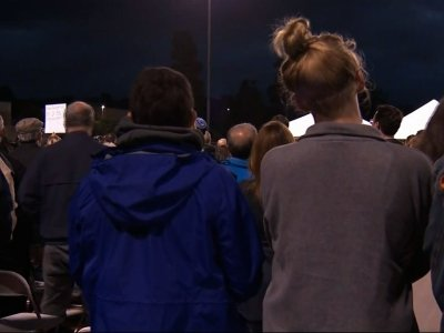 A vigil was held in Poway, California on Monday night for victims of Saturday's deadly synagogue shooting. Jewish leaders joined leaders of other faiths to condemn hate and call for faith and unity. (April 30)
