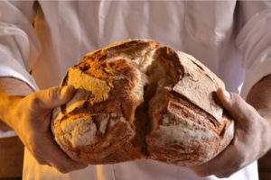 History buff bakes ancient Egyptian bread using 1,500-year-old yeast scrapings