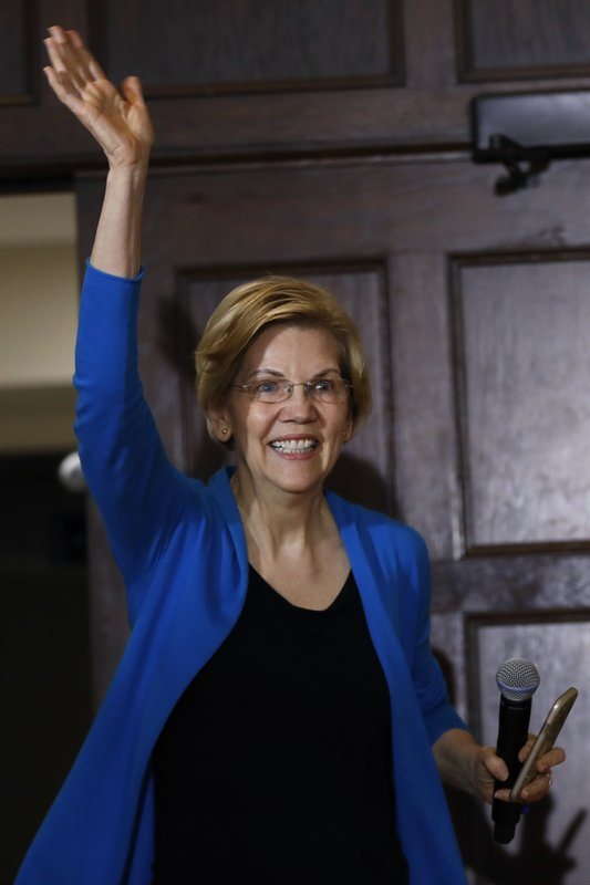 2020 Democratic presidential candidate Sen. Elizabeth Warren waves as she enters an organizing event, Friday, May 3, 2019, in Ames, Iowa.(AP Photo/Charlie Neibergall)