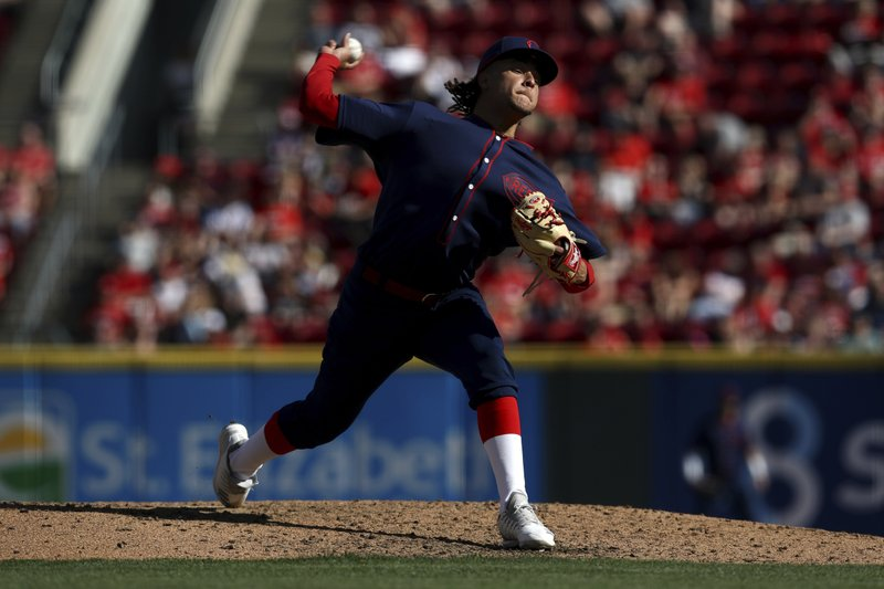 Cincinnati Reds' Luis Castillo throws in the sixth inning of a baseball game against the San Francisco Giants, Sunday, May 5, 2019, in Cincinnati. (AP Photo/Aaron Doster)