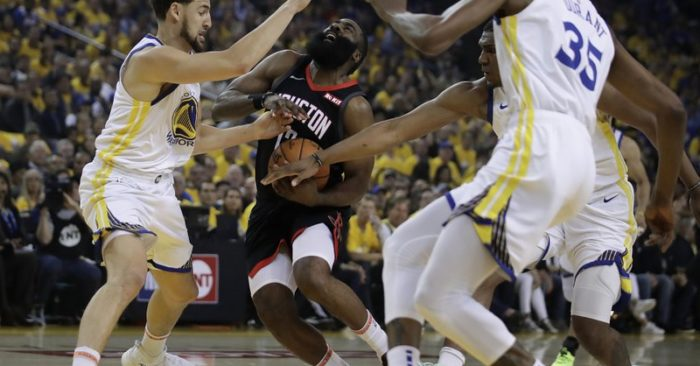 00d2daebbe82 Warriors star Kevin Durant leaves with calf injury