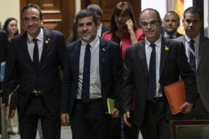 Spain: 5 Catalan separatist prisoners escorted to Parliament