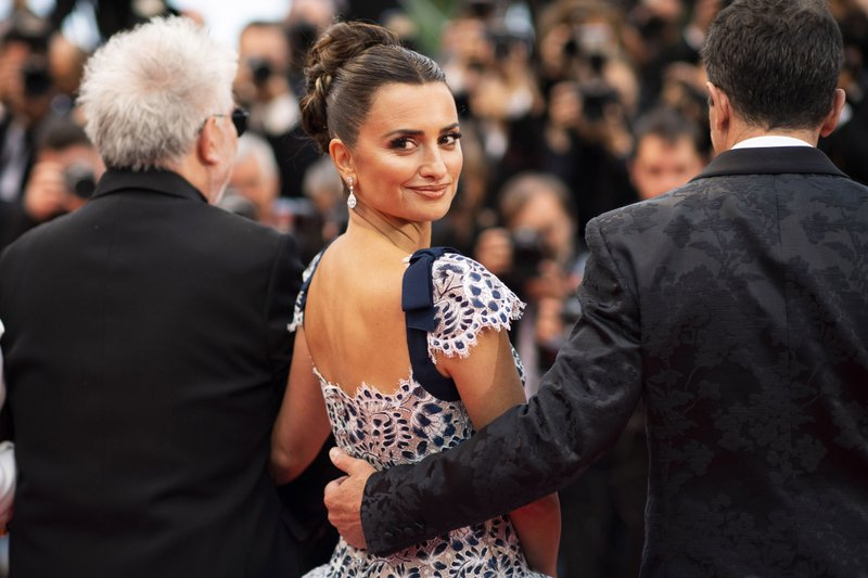 Spanish actress Penelope Cruz poses at the premiere of