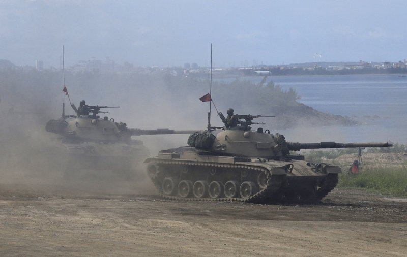 Taiwan's military M109 self-propelled Howitzers move during the annual Han Kuang exercises in Pingtung County, Southern Taiwan, Thursday, May 30, 2019. (AP Photo/Chiang Ying-ying)