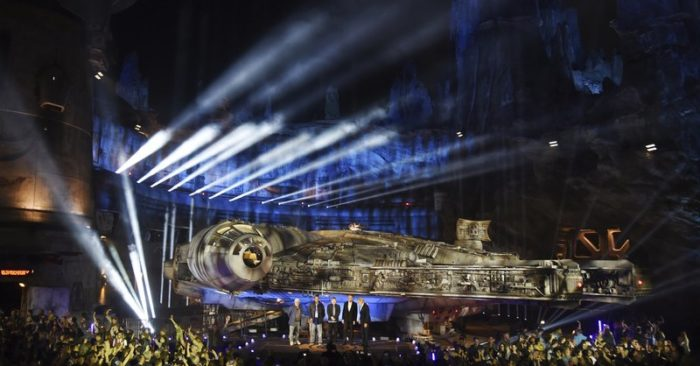 Aliens Droids And Starships Images From New Star Wars Land Thebl Com