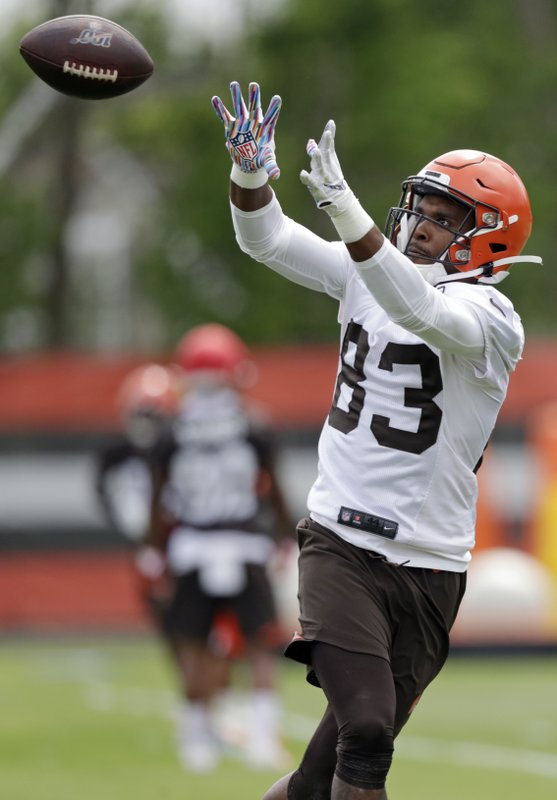 Cleveland Browns wide receiver D.J. Montgomery catches a pass during an NFL football organized team activity session at the team's training facility, Thursday, May 30, 2019, in Berea, Ohio. (AP Photo/Tony Dejak)