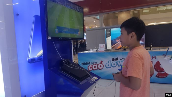 Traditional video games are getting a tech upgrade, with major Vietnamese sta