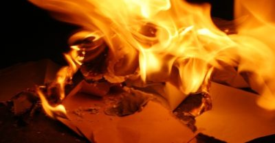 Nebraska woman tries to burn love letters from her ex, ignites apartment instead