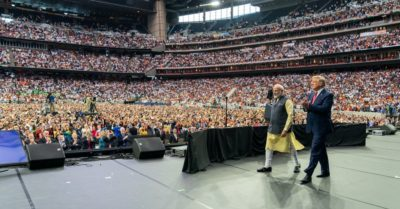 50,000 Indian Americans wait for President Trump and Prime Minister Modi to come on stage