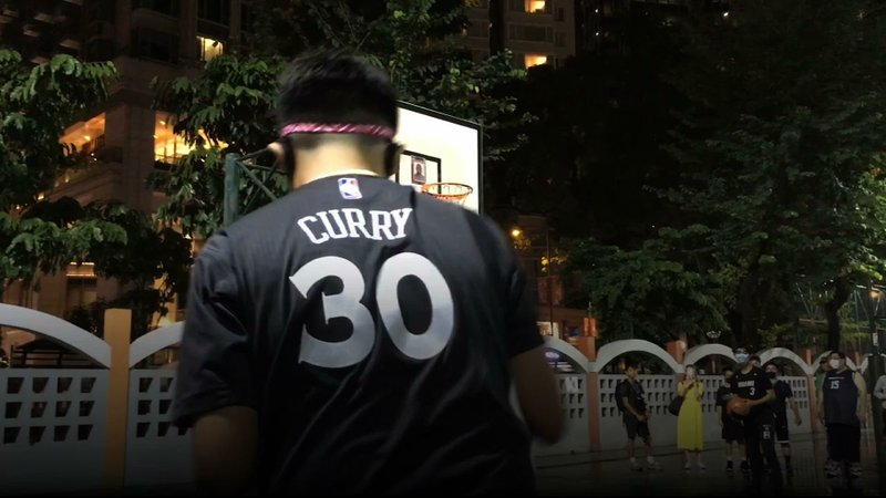 Basketball player Lebron James' standing among basketball fans in Hong Kong took a hit because of comments the NBA star made about free speech. (Oct. 15)