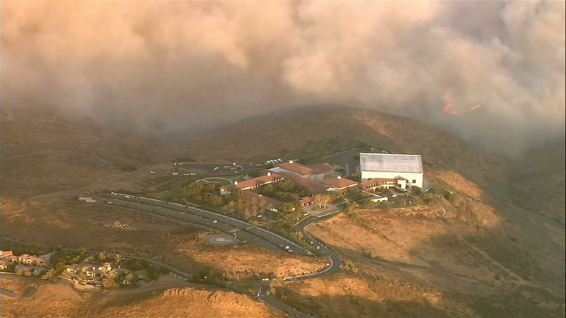 Officials say a new wind-driven wildfire in Southern California near the Ronald Reagan Presidential Library has grown to more than 400 acres since it started just before dawn. (Oct. 30)