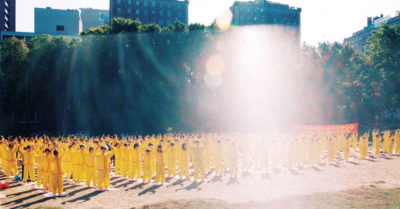 May 13 is an auspicious day, and thousands around the world give thanks to the founder of Falun Gong
