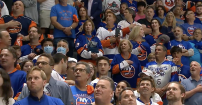 Over 13k Islanders fans sing 'A Star Spangled Banner' with Nicole Raviv, in epic viral moment