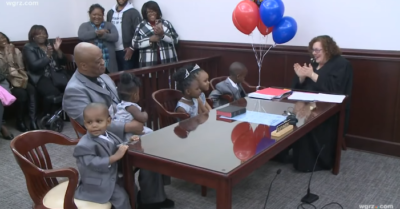 Single dad adopts 5 siblings under 6: 'every kid deserves a loving home'